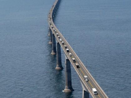 The Confederation Bridge , Canada – Longest Bridge in the World (10/10)