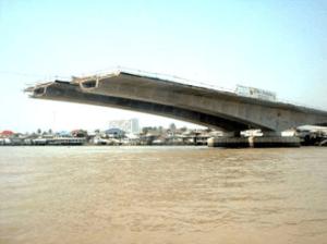 Cantilever bridge