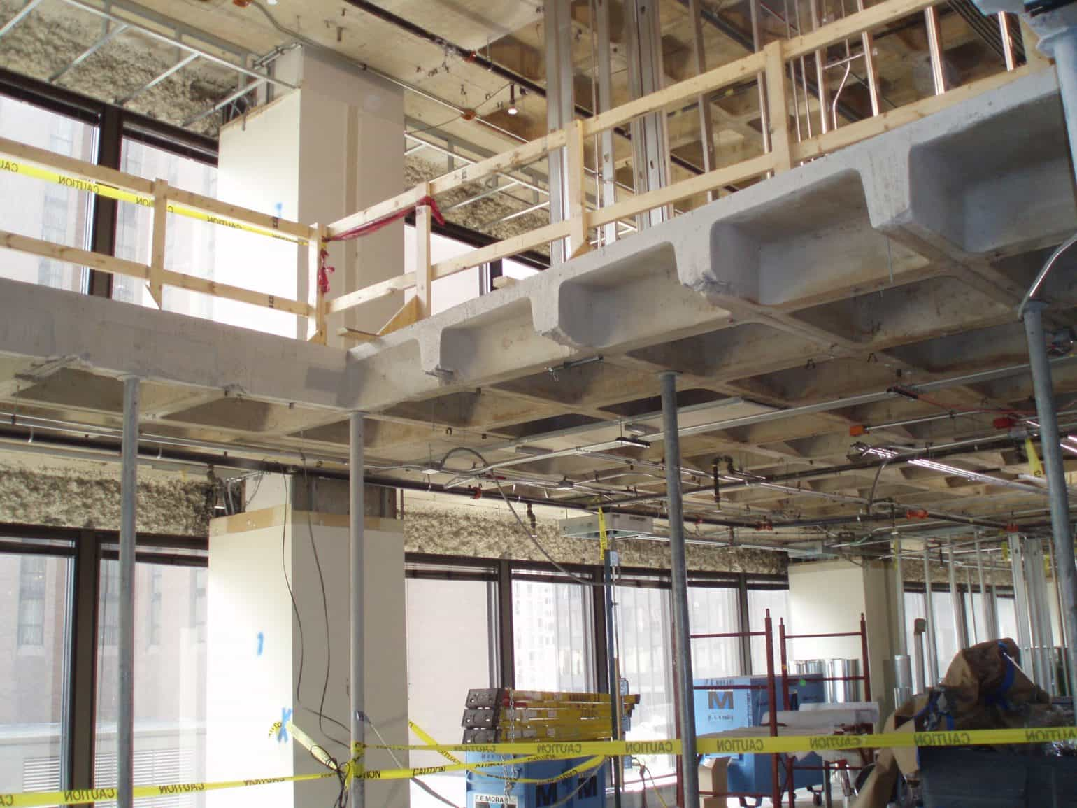 advantages of composite construction What is green construction in both new construction projects and renovation work, design professionals are continuing to discover the advantages of green building solutions: plastic composite building products, including durability, light weight, corrosion resistance, high strength, and low maintenance requirements.