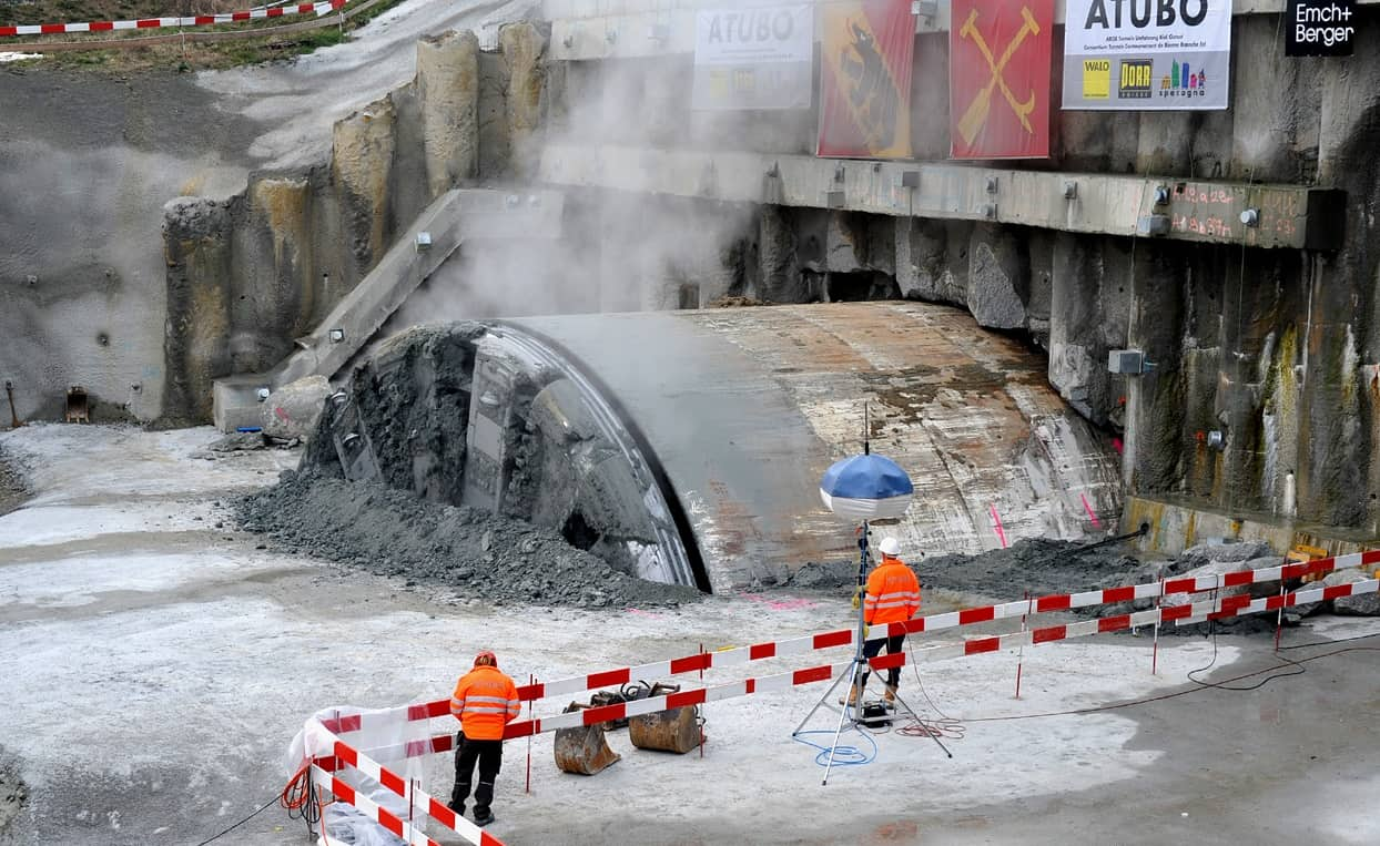 Construction of the A5 highway east bypass of Biel; 12.6 m diameter drill head of TBM © Chriusha (Хрюша) CC-BY-SA-3.0