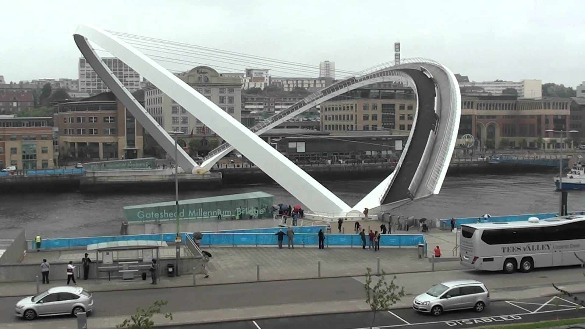 Tilt bridge