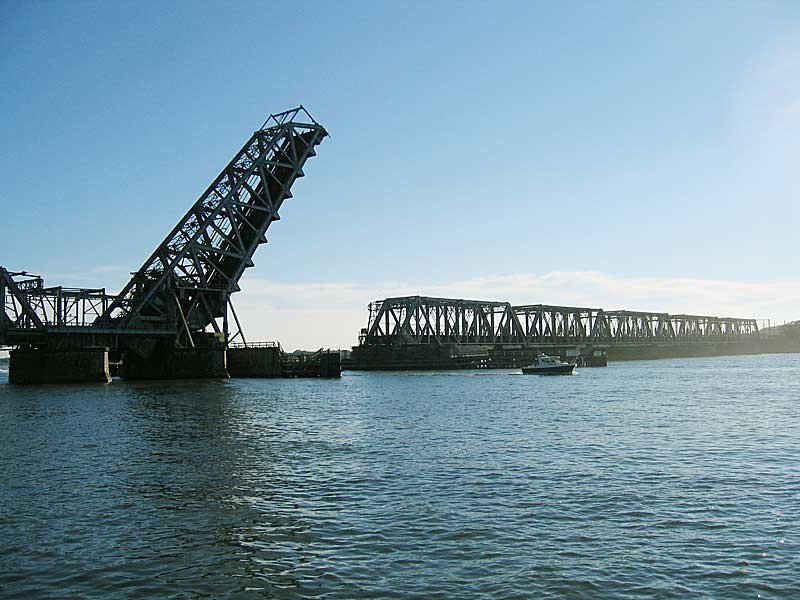 Movable Bridge (Wikimedia)