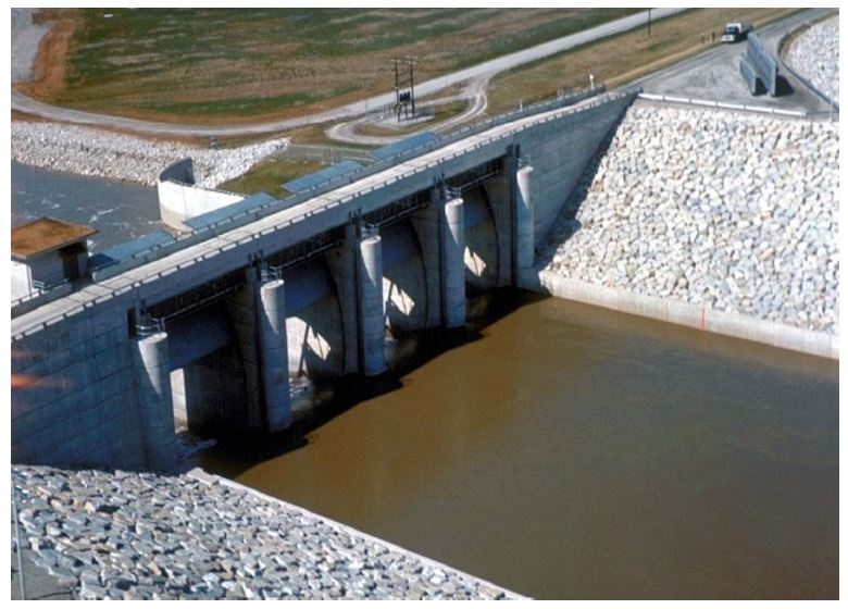 Canal head regulator to control water level in canal